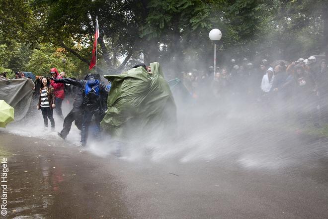 Wasserwerfer Angriff im Schlossgarten