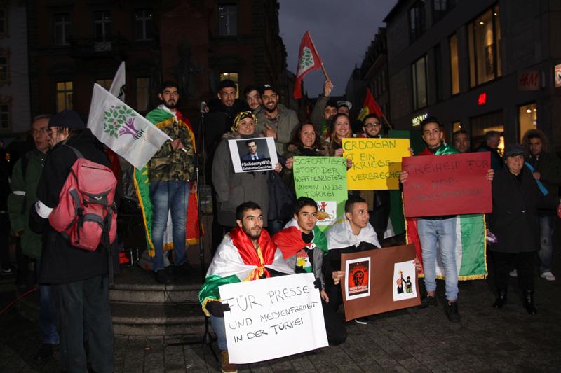 seemoz-hdp-protest-3
